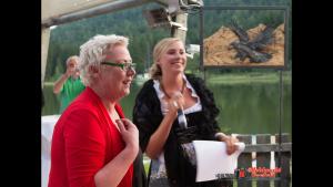 Theresia Grimminger und Moderatorin Kathrin Raunigger